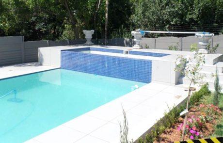 Anti slip swimming pool